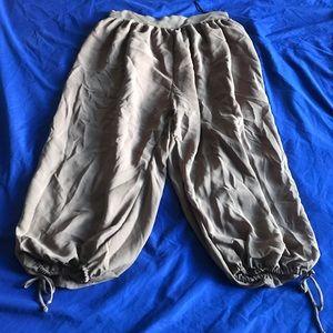 Silky crop pants